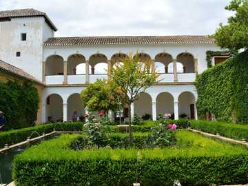 alhambra - granada - Spain - courtyard - garden