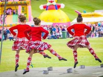 Scotland Highland Games Traditional Dancers - Scotland Highland Games Traditional Dancers