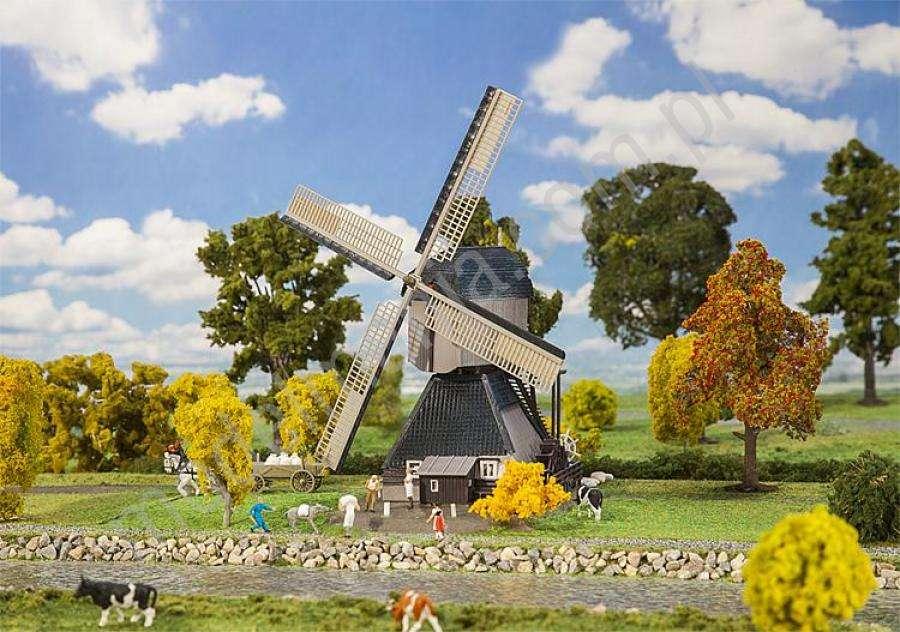 вятърна мелница - Вятърна мелница. М (14×10)