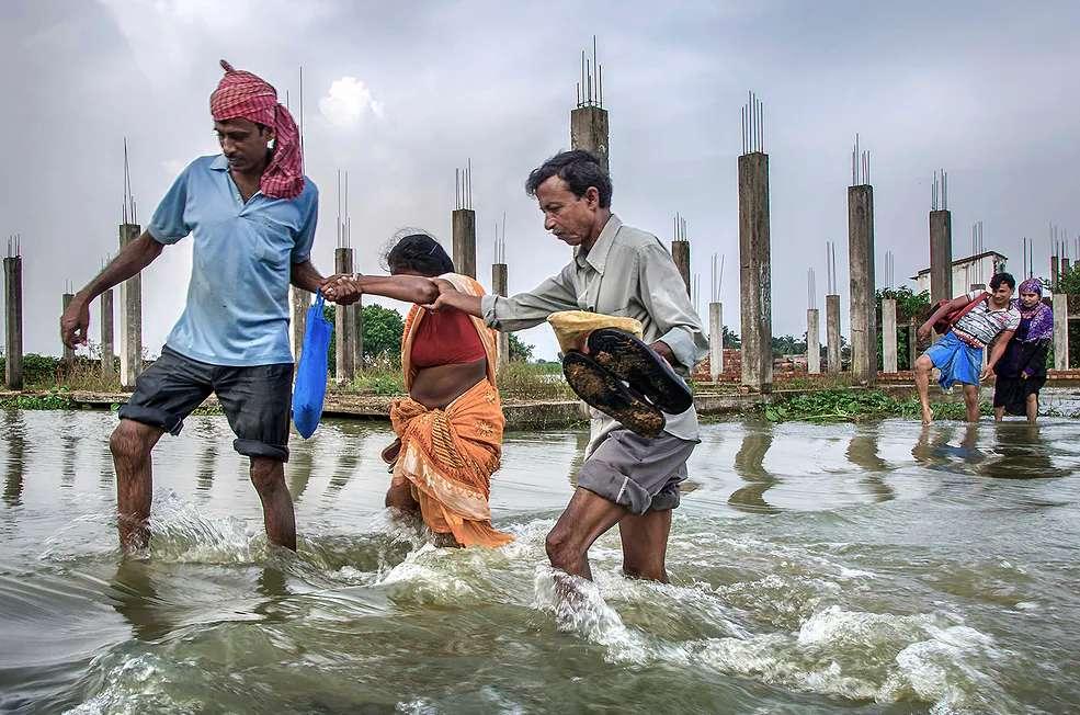 áradás Ázsiában - m (12×8)