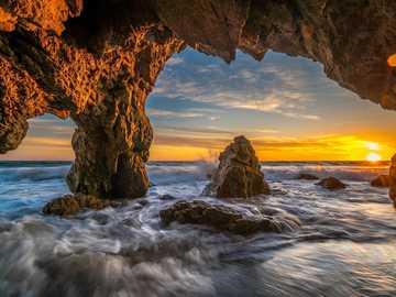 USA, Sonnenuntergang, Höhle - m ..................................
