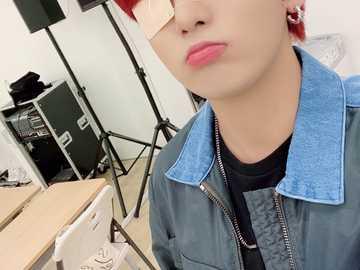 Jongho (ATEEZ) - È Jongho di Ateez duh.