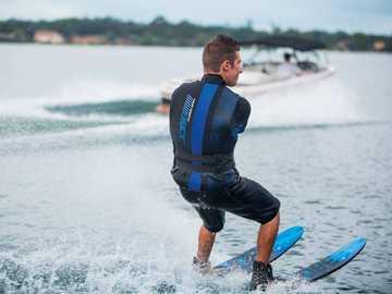 Водни спортове - м ....................