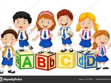 Enfants à l'école - Enfants joyeux et heureux