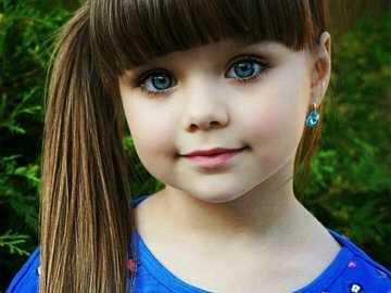 piękna dziewczynka - m...................