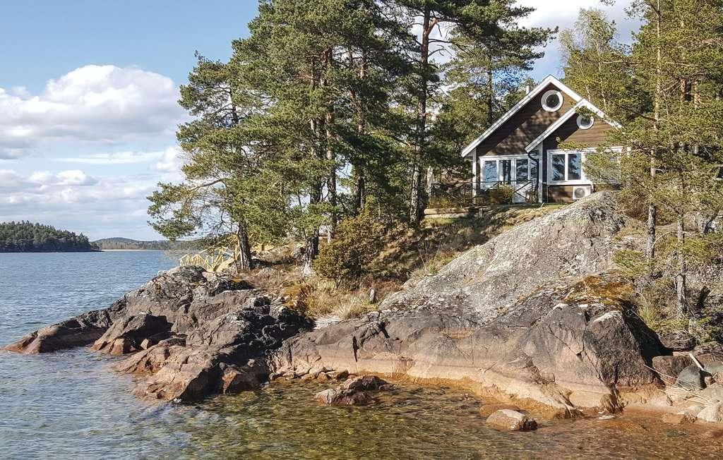 Ház a tónál, Svédországban (12×8)