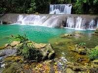 водопад в Ямайка