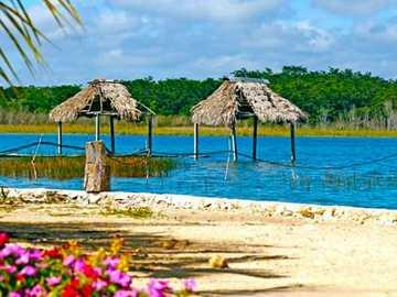 El Remate, Petén - Lagune située dans le village d'El Remate, c'est un paradis naturel et un paysage à appr