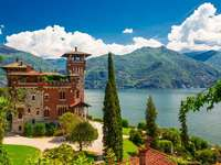 Lake Como. - At Lake Como. Panorama of Lake Como. Landscape puzzle. Residence on Lake Como. Panorama of the Itali