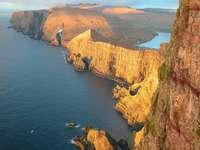 Costa ripida delle Isole Fær Øer