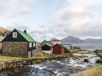 Case sulla costa delle Isole Fær Øer