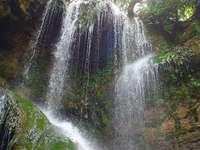 крушунски водопади през пролетта - крушунски водопади през пролетта