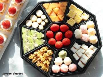 koreanisches Dessert - Eine köstliche koreanische Dessertplatte