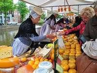Trh se sýrem Alkmaar v Nizozemsku
