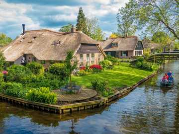 Giethoorn the Venice of the Netherlands - Giethoorn the Venice of the Netherlands