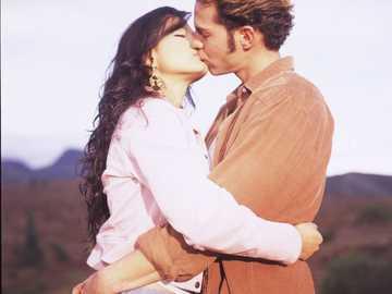 Jimena e Oscar - Eles são um dos três principais casais do romance de paixão de falcões