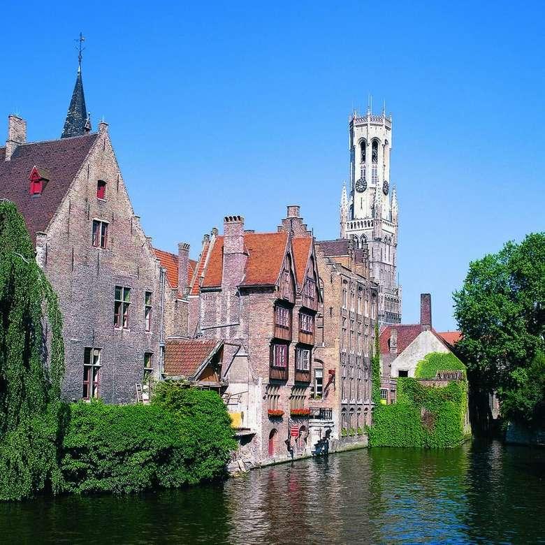 Miasto Brugia z wieloma kanałami w Belgii (9×9)