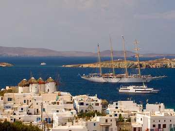 Mykonos - Grekland - Mykonos, Grekland. Mykonos är huvudstaden på ön med samma namn. Stadens arkitektur är ett perfek