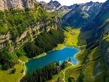 Švýcarsko. - Krajina puzzle.