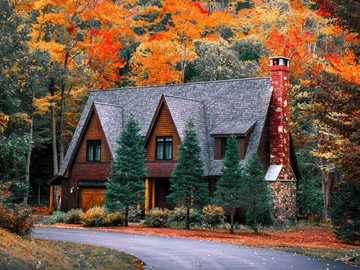 A house in the white mountains of New Hampshire - A house in the white mountains of New Hampshire