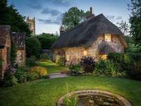 The Faerie Door and Cottage nel Wiltshire, Inghilterra - The Faerie Door and Cottage nel Wiltshire, Inghilterra