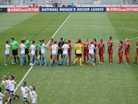 campionato nazionale di calcio femminile - in bocca al lupo. e poi si è accesa la sirena del fulmine e siamo dovuti andare alle nostre macchin