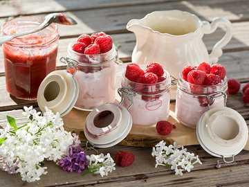 Erdbeeren - m ......................