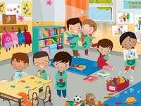 Kinder im Kindergarten - Kinder spielen im Kindergarten