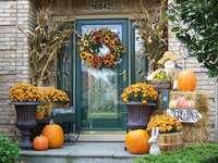 Área de entrada decorada no outono - Área de entrada decorada no outono