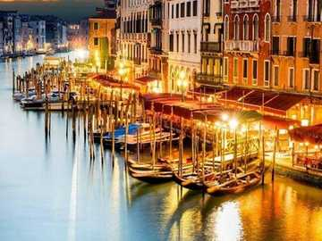 Benátská krajina. - Krajina puzzle.
