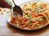 Spaghetti - Spaghetti mit Tomate