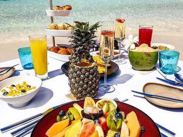 meal in the maldives - m .......................