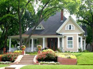 Ładny dom - Ładny dom z ogrodem