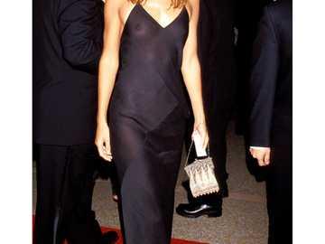 Schwarzes Kleid - Frau im schwarzen Kleid