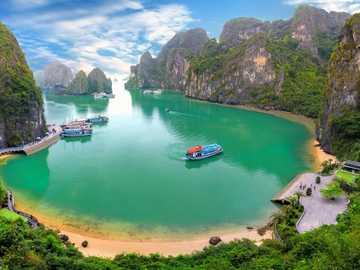 bay in vietnam - m .....................