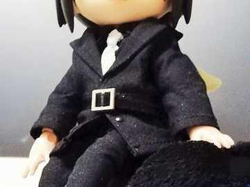 Itachi w garniturze i krawacie - Itachi w garniturze i krawacie jest bardzo elegancki!