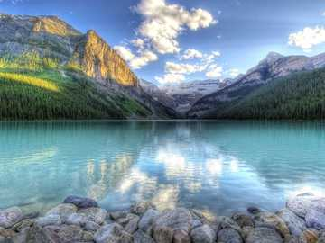 Beau paysage de lac et de montagne - Beau paysage de lac et de montagne