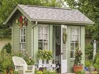Ładna mała szopa ogrodowa - Ładna mała szopa ogrodowa