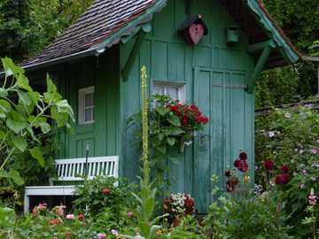 Nice little summer house with bench - Nice little summer house with bench
