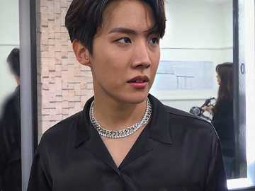 Jung Hoseok. - Just enjoy Jung Hoseok's beauty. I hope you had fun doing this. Thank you.
