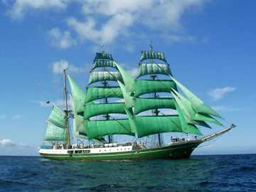 green sailing ship - m ........................