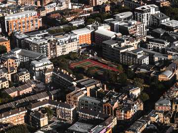Views from above. - white and brown buildings during daytime. London, Reino Unido