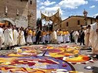 Průvod květinových koberců Spello Umbrie Itálie