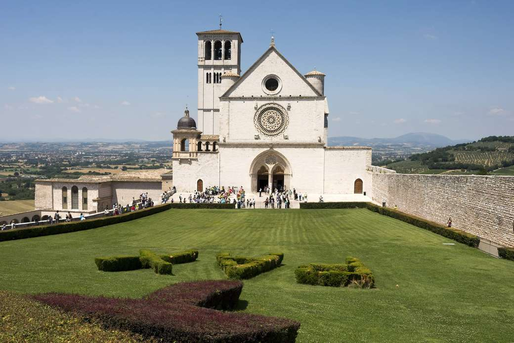 Assisi domkyrka Umbrien Italien - Assisi-katedralen i San Francesco. Assisi domkyrka Umbrien Italien (13×9)