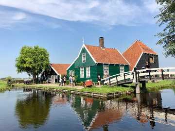 maison aux Pays-Bas - paysage dans la campagne des Pays-Bas