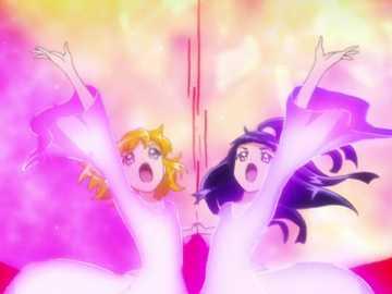 Cure Up Rapapa! Ruby! Miracle Magical Jewelry! - 第十三 部 魔法 使 光 之 美 少女 , 兩位 主角 握住 彼此 的 手 , 將 波紋 �