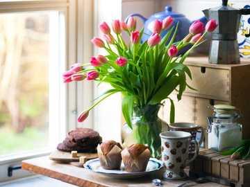 Červené tulipány - M .....................
