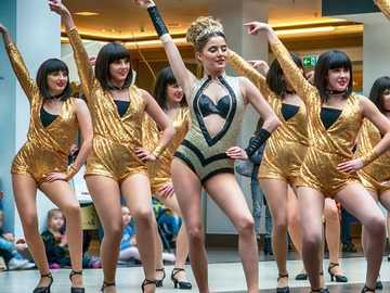 spectacle de danse - spectacle de danse filles