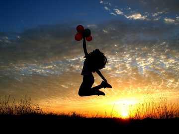 Sonnenuntergang - Bei Sonnenuntergang springen ....