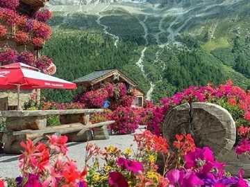 Blumenlandschaft. - Landschaftspuzzle.